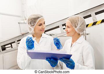 krém, ízlelés, gyár, jég, technologists, nők