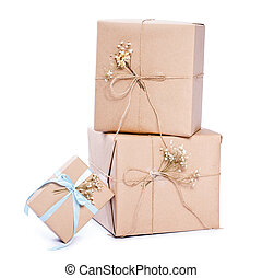 kraft paper gift box ribbon bow Isolated on white background