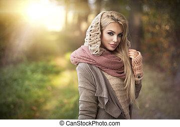 krajobraz, jesień, dziewczyna, młody, uśmiechanie się