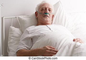 krank, älterer mann