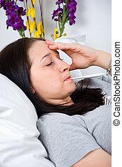 kranke frau, überprüfung von temperatur