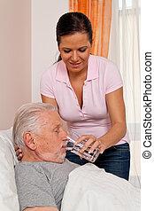 krankenschwester, in, antikisiert, pflegen, der, senioren, in, altenhei