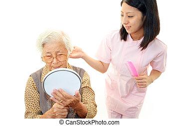krankenschwester, mit, ältere frau