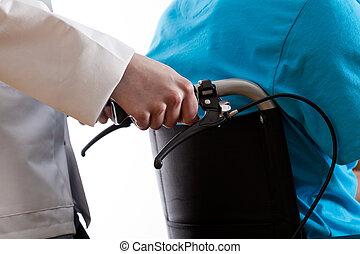 krankenschwester, portion, mann, in, rollstuhl