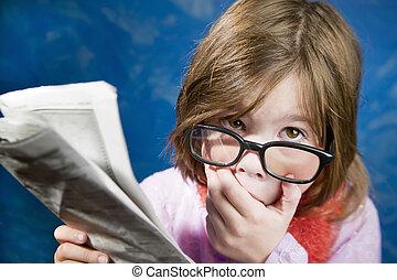 krant, meisje, bril