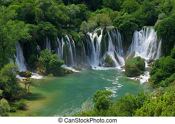 kravica, 滝, 05