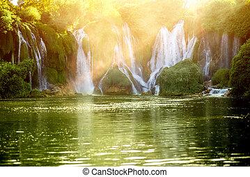 kravica, chute eau