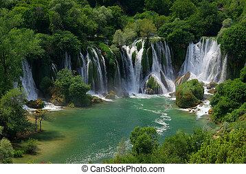 Kravica waterfall 04