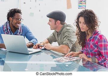 kreativ, mannschaft, arbeitend zusammen