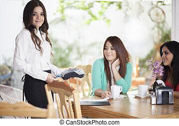 kreditkarte, zahlung, an, a, gasthaus