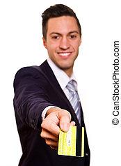 kredyt, dzierżawa, szczęśliwy, karta, młody, odizolowany, człowiek, uśmiechanie się, biały
