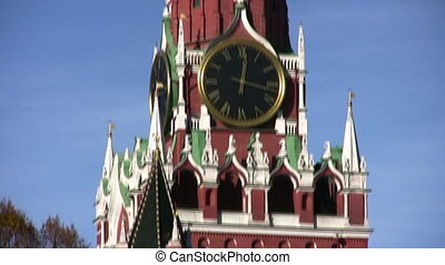 kremlin tower with clock panning - Kremlin tower with clock...