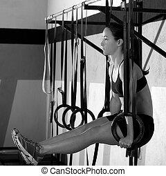 kreuz, anfall, eintauchen, ring, frau, workout, an, turnhalle, eintauchen