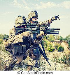 krig, ind, bjerge