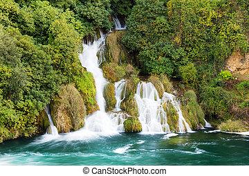 krka, bosque, cascada