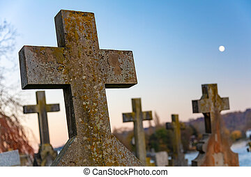 kruisbeeld, kruis, gravestones, in, een, kerk, graveyard