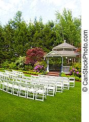 krzesła, miejsce rozprawy, ślub