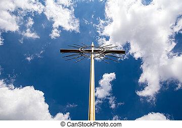 krzyż, na, przedimek określony przed rzeczownikami, niebo, tło