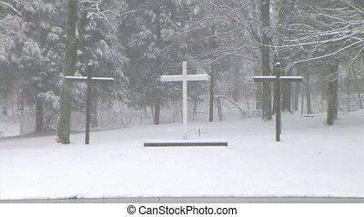 krzyże, w, śnieg, zoom na zewnątrz