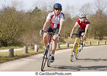 krzywa, rowerzyści