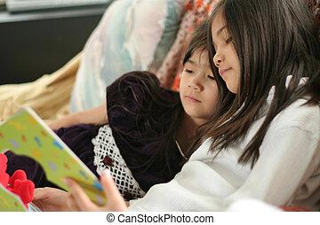 książka, dziewczyny, czytanie, dwa
