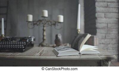 książka, otwarty, biurko