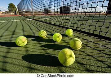 kugeln, tennisplatz