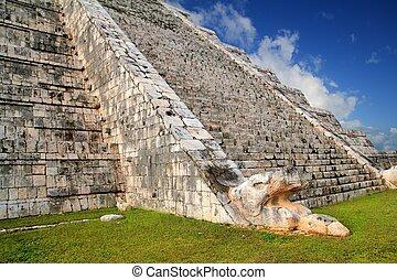 Kukulcan snake Mayan Chichen Itza pyramid Mexico - Kukulcan...