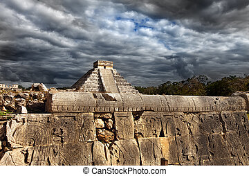 Kukulkan Pyramid in Chichen Itza on the Yucatan, Mexico...