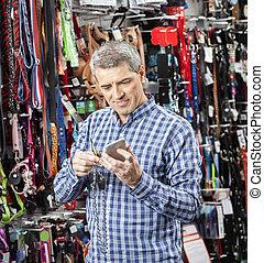 kunde, abtastung, barcode, durch, klug, telefon, an, haustier, kaufmannsladen