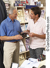 Kunde, Assistent, kleidung, Verkäufe, kaufmannsladen