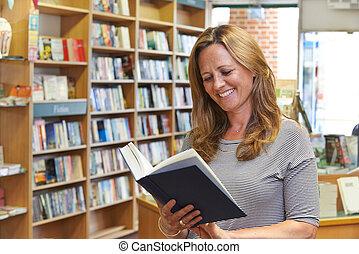 Kunde, Buch, Buchhandlung, lesende, weibliche