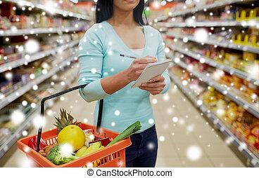 kunde, mit, warenkorb, an, supermarkt