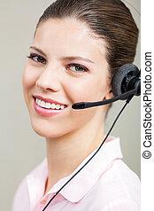 kundendienstvertreter, gebrauchend, kopfhörer