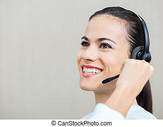 kundendienstvertreter, sprechende , auf, kopfhörer