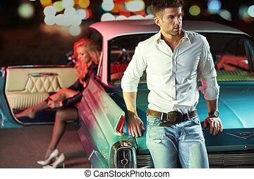 kunst, afbeelding, od, de, aantrekkelijk, jong paar, met, de, retro, auto