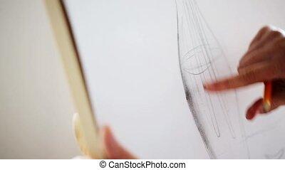 kunstenaar, met, potlood tekenen, stilleven, op, papier