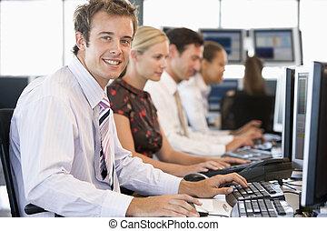 kupcy, komputery, pracujący, pień