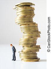 kupiec stanie, pod, ryzykowny, pieniądz, stack.