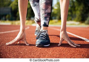 kupiert, bild, von, a, weibliche , sprinter, bereitend,...