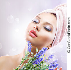 kurort, flicka, med, lavendel, flowers., organisk, kosmetika