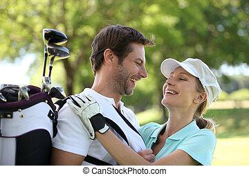 kurs, paar, golfen, umarmen
