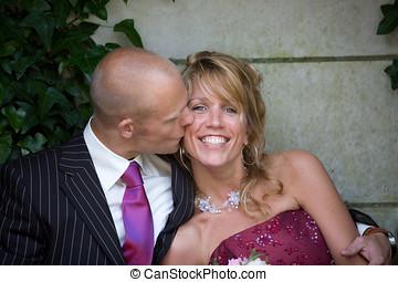 kussende , de, bruid