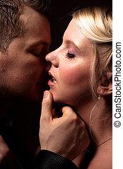 kussende , paar, jonge