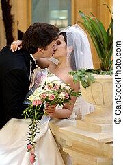 kussende , paar, newlywed