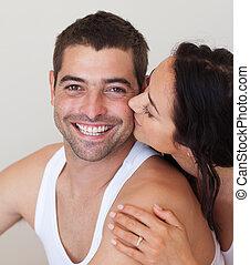 kussende , vrouw, haar, boyfriend