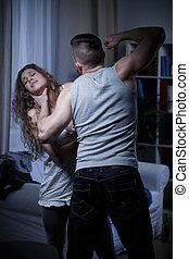kvädande, försvarslös, kvinna