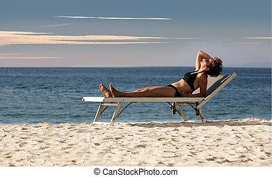 kvinde afslappende, på, en, strand