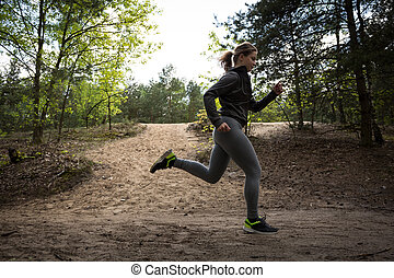 kvinde, exercising, på, duelighed, trail