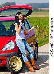 kvinde, hos, en, dæk, en vogn, sammenbrud